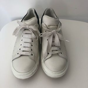 Off white/black Alexander McQueen leather sneakers